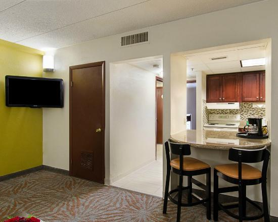 Suburban Extended Stay Hotel: Suite
