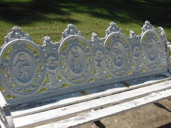 Chula Vista, CA: Check out the these old iron benches with the figurines