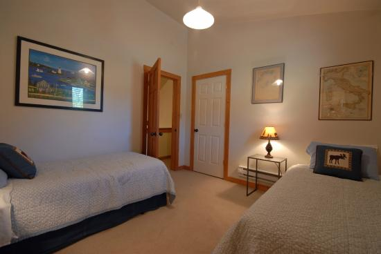 Clinton, MT: Upstair Twin Bedroom at Golden Stone