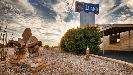 BEST WESTERN Llano: Hotel Exterior