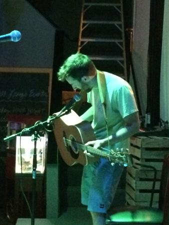 Hood River, OR: Open Mic every Tuesday