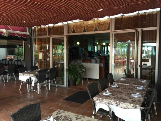The Gallery Indian Restaurant : Terraza