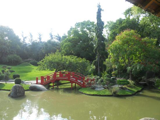 Estatua ofrendas picture of jardin japonais toulouse for Jardin japonais toulouse