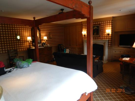 Old Edwards Inn and Spa: Spa suite room