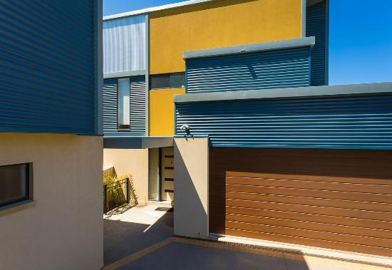 Saltwater Apartments: Facade