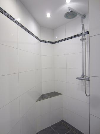 Санкт- Никлаус, Швейцария: Large shower