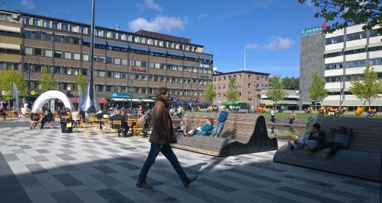 varm ledsagare avsugning i Eskilstuna