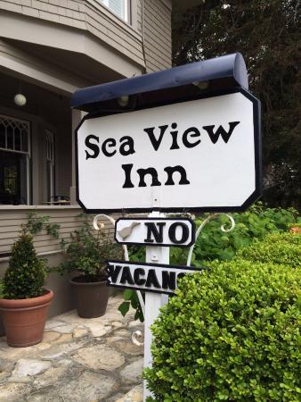 Sea View Inn: Front of B&B