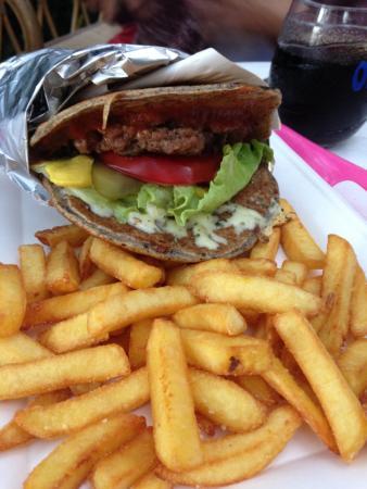 burger local photo de la cabane des poissons rouges saint gildas de rhuys tripadvisor. Black Bedroom Furniture Sets. Home Design Ideas