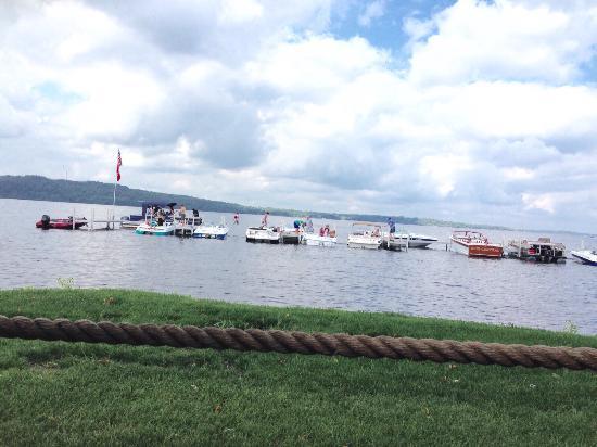 Ernie's On Gull Lake: photo0.jpg