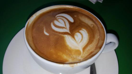 Su Casa Coffee House: Best flat white