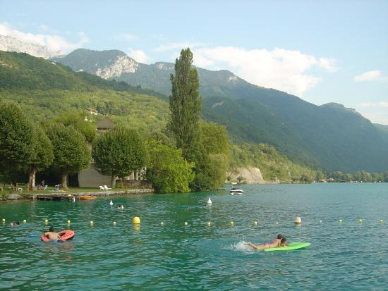 Lac d 39 annecy from casino photo de office de tourisme du lac d 39 annecy annecy tripadvisor - Office tourisme talloires ...
