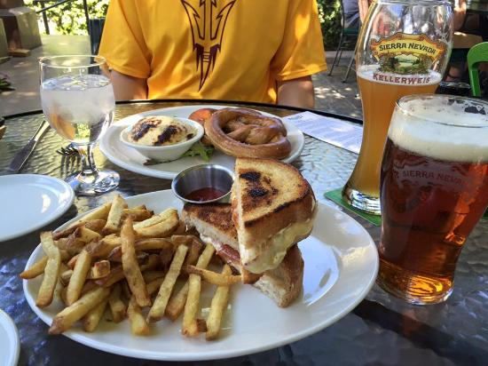 Sierra Nevada Brewing Co. Taproom: Pretzel and Grilled Cheese