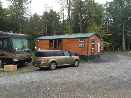 Watkins Glen-Corning KOA Camping Resort: One of the cabins with lofts