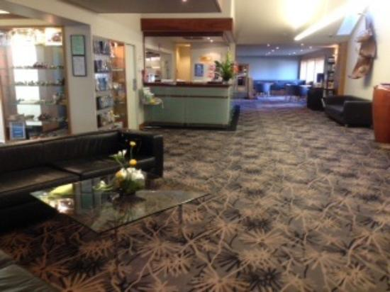 Quality Hotel Plymouth International: Reception area