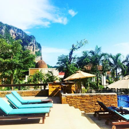 pool area picture of aonang cliff beach resort ao nang. Black Bedroom Furniture Sets. Home Design Ideas