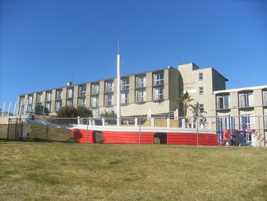 Scamander Beach Hotel Motel: view of hotel