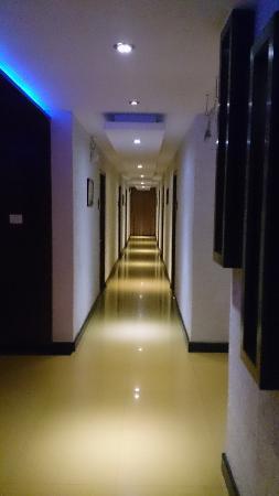 Magaji Orchid: Walkway
