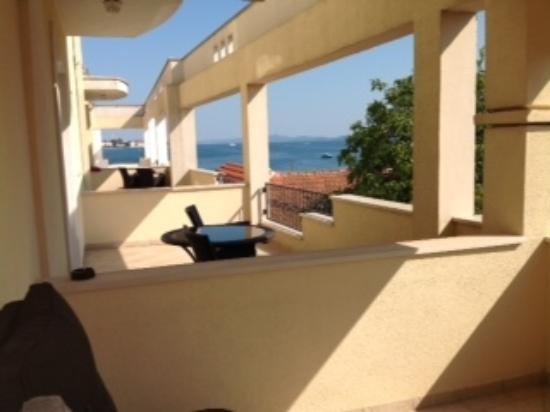 Hotel Niko : Ocean views from the balcony