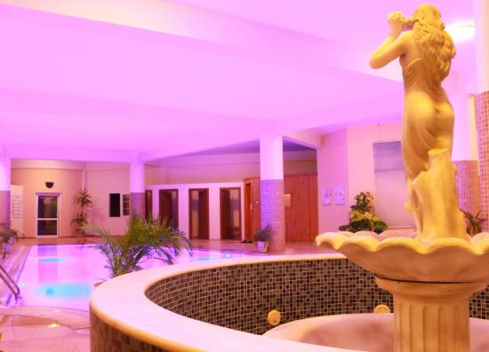 Caesar Resort: Inside pool