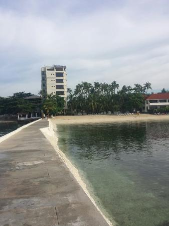 at costabella tropical beach resort in mactan cebu マクタン島