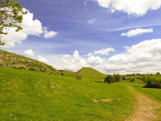 Dovedale, UK: Entering the Dale