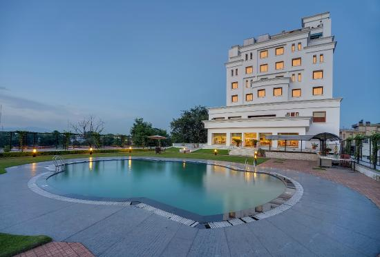 Royal Sarovar Portico