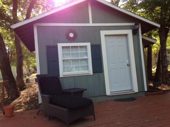 Granny Lou's B&B: The cottage