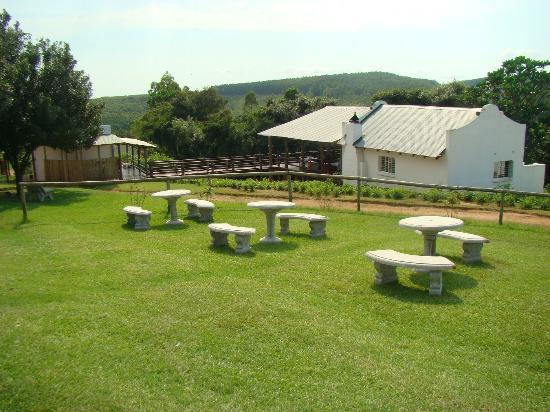 Tsanana Log Cabins & Mulberry Lane Suites
