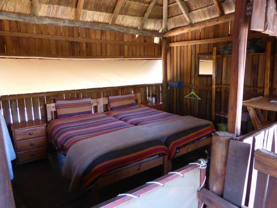Mosetlha Bush Camp & Eco Lodge: The lodge