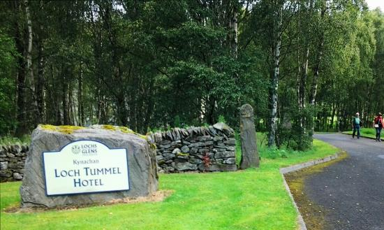 Tummel Bridge, UK: Hotel Entrance
