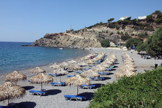 Achlia, Görögország: Ag Galini beach looking towards ierapetra aug 2015