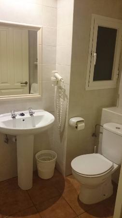 Hostal Adelino: Baño