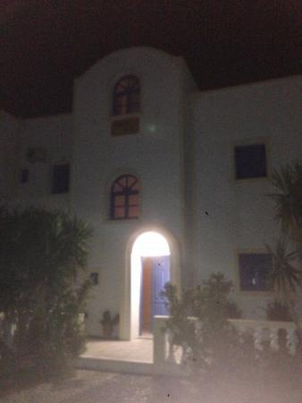 Nikolas Villas Aparthotel