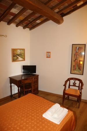 Casacenti: Camera Arancio