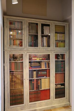 Casacenti: Libreria