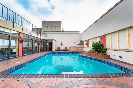 Royal Hotel: Rooftop Pool