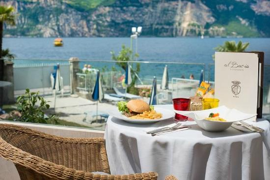 Al Bacio Restaurant by Hotel Castello Lake Front