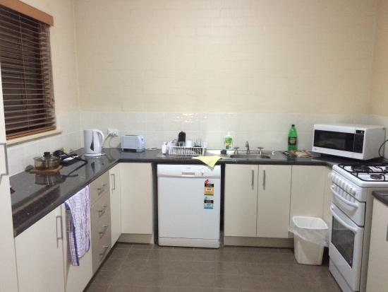Oxley Court Serviced Apartments: photo1.jpg