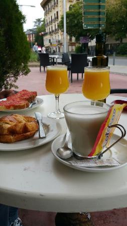 pilgrim cafe: Buenos desayunos