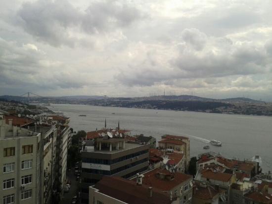 Opera Hotel: In Istanbul skies