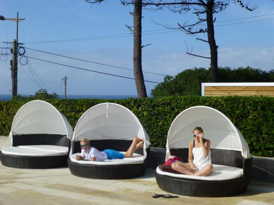 Senhora Da Guia Cascais Boutique Hotel Poolside Sunbathing
