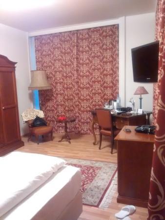 Hotel Domizi: camera 2012
