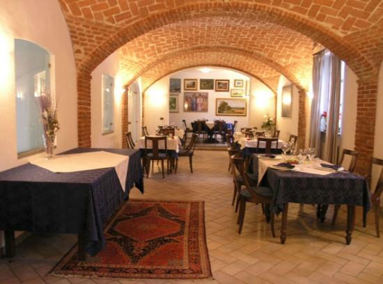 Sala Da Biliardo Pavia : Biliardo in comodato d uso noleggio tavoli da biliardo e carambola