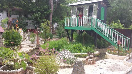 Howard Finster\'s Paradise Gardens - Picture of Paradise Garden ...