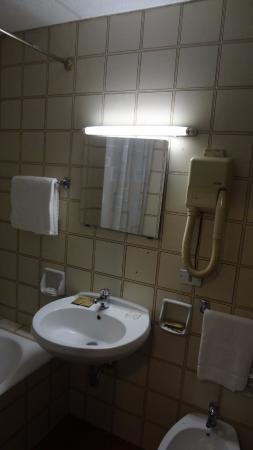 Hotel Dateo Milano: ванная