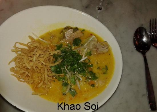 Down The Street Bar & Cafe: Khao Soi