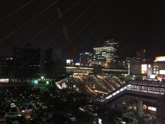 部屋からの眺め(JR駅方向)