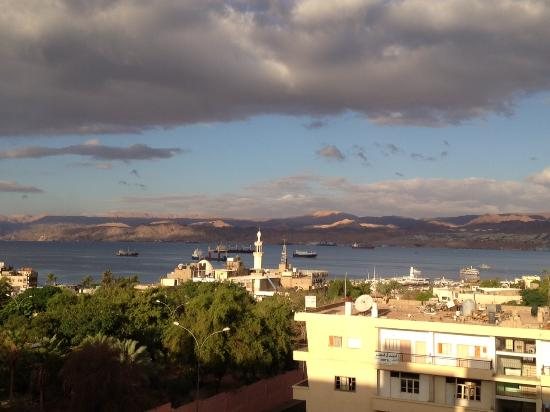Golden Rose Hotel: View of Aqaba in the morning