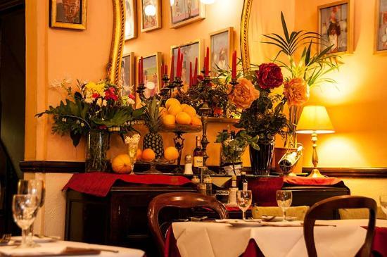 Patio: Restaurant interior